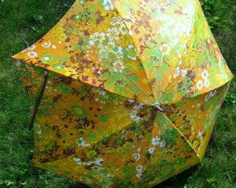 Vintage Umbrella, Flower Power Yellow Brown Green Daisies Rain Wedding Bridal Shower, Feminine Whimsy, Parasol, Summer Floral,  Acetate