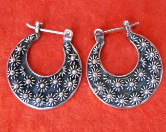 Bali Hoop Sterling Silver Earrings / silver 925 / Balinese handmade jewelry / granulation technique / 0.85 inch