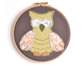 "Little Owl - Personalised Embroidery Hoop Art - Woodland Textile illustration in pink & orange - Small 6"" hoop"