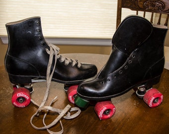 Vintage 1970s Mens Chicago Roller Derby Skates 9