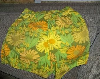 make up my mind skirt or short flowery seventies
