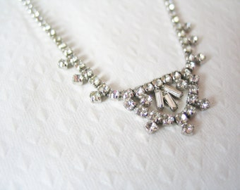 NEW YEAR SALE! Glorious 1950s silver tone and princess cut rhinestone statement costume necklace