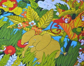 Vintage Tablecloth - Mod African Animals - 59 x 88 Cotton Canvas