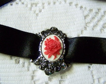 Victorian Red Rose Choker - Floral - Bouquet - Antiqued Silver Necklace - Flower - Roses - Red and White Cameo - Cameo necklace