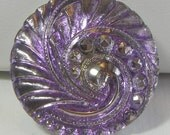 Feathery Swirl Czech Glass Button