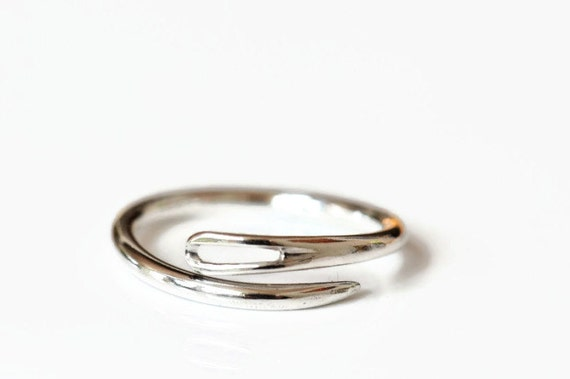 Sewing needle ring, sterling silver ring open or closed, seamstress gift, quilters gift, embroidery, made to order ring