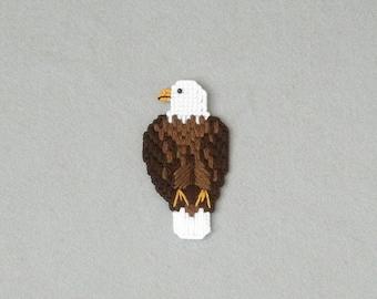 Plastic Canvas Bald Eagle Magnet / Refrigerator Magnet /Bird Magnet