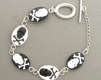 Skull & Crossbone Cameo Bracelet in Black and White