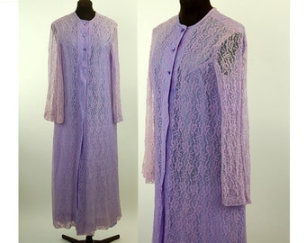 1950s lace robe, purple robe, lavender robe, button front, Mad Men lingerie, Size M