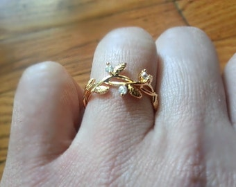 Branch leaves three cubic 16k gold plate adjustable ring us size 7