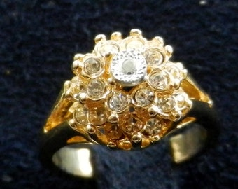 Beautiful 1970 crystal ring  - gold, crystals - elegant design engagement ring - high quality - Size 9 - Art.464-