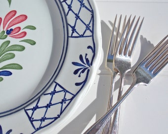 Country Blue and White Dinner Plates