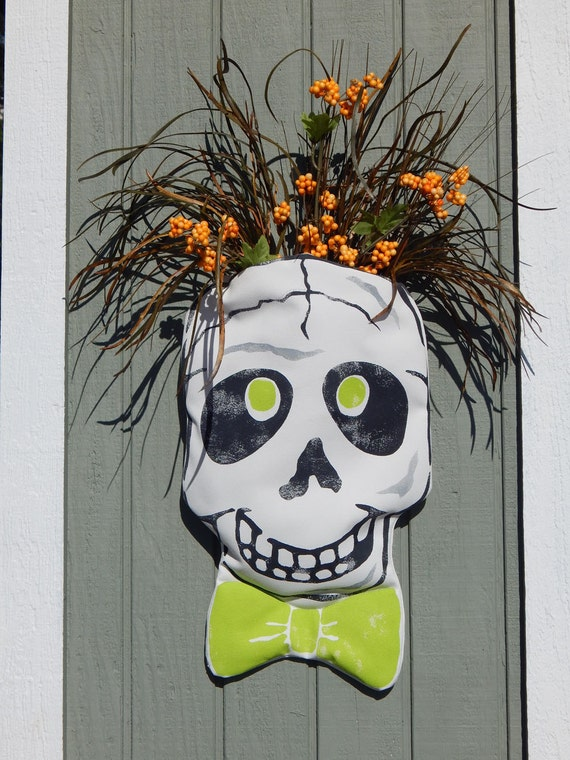Door decor Halloween fall outdoor skull with pocket skeleton