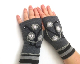 Fingerless  gloves gray  with  embroidery, arm  warmers