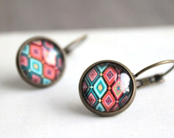 diamond flare. (antique brass. cicle picture. 12mm magnifying globe. leverback earrings. rust aqua teal design. wallpaper).