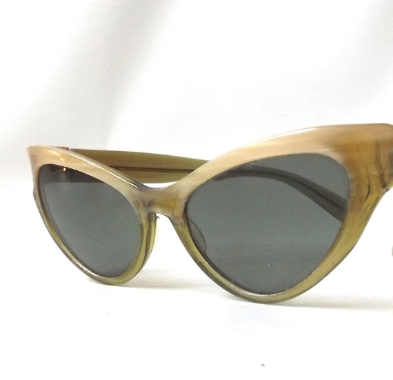 Ray Ban Vintage Glasses Frames : vintage 1950s B&L ray ban cat eye womens sunglasses