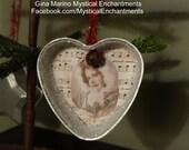 VINTAGE tart mold Christmas ornament
