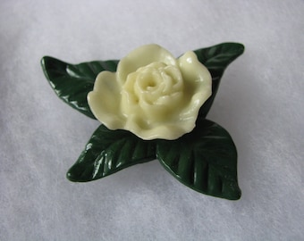 Yellow vintage dimensional flower brooch flower pin with green leaves