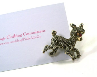 Vintage Gold Tone Novelty Little Lamb Pin with Red Rhinestone Eye