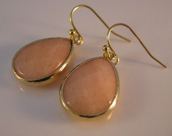 Gold drop earrings, bezel earrings, gold earrings, drop earrings, dangle earrings, peach bezel earrings, crystal earrings, peach earrings