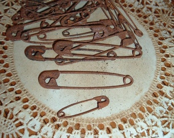 50 Rusty Safety Pins 2 sizes Rustic  Primitive Crafts Rustic Western