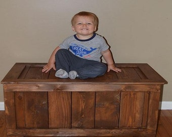 Rustic Reclaimed Cedar toy box, blanket chest, coffee table, hope chest - Coffee Stain