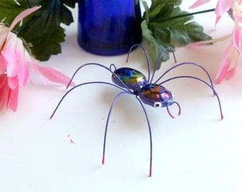 Medium Hanging Purple Spider Unique Copper Wire Spider Perfect for Entomologists and Bug Lovers Arachniphobia Helper Pet Spider