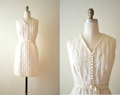 60s Dress Embossed Cream Daisy Pattern Cotton Plus Size