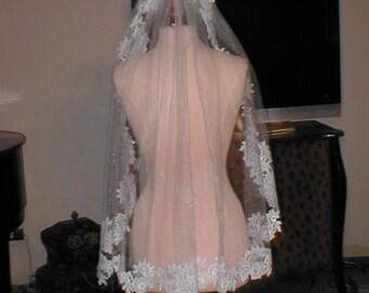 SHORT  Lace Mantilla Bridal Veil