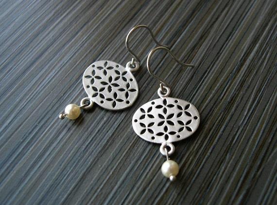 Ivory Pearl Earrings, Bridal Jewelry - Pearl Drop, Contemporary Jewellery, Modern Wedding Accessory, Silver, Ivory, Cream, June Birthstone