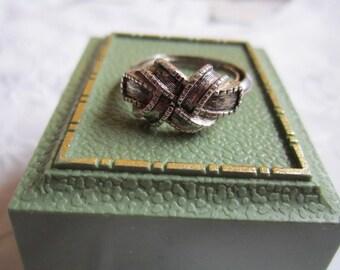 Vintage Silver Tone Avon Braided Setting Ring
