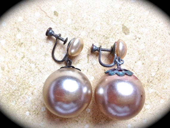 Large Pearl Earrings- Pink vintage champagne pearl screw back earrings- vintage earrings- Bridal earrings- Wedding Earrings- Vintage Pearls