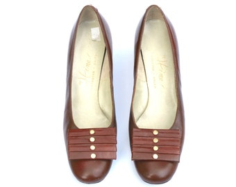 Vintage Hines Antique Brown Distressed Leather Jeweled Classic Dress Pumps Shoes Sz 7