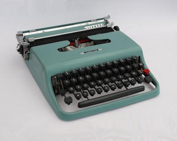 machine crire olivetti lettera 22 machine portable. Black Bedroom Furniture Sets. Home Design Ideas