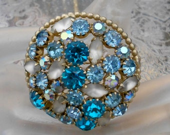 1950's Weiss Blue Rhinestone Brooch