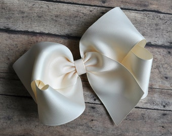 Cream Ivory Big 8 Inch Twisted Boutique Bow Bright Cream Bow
