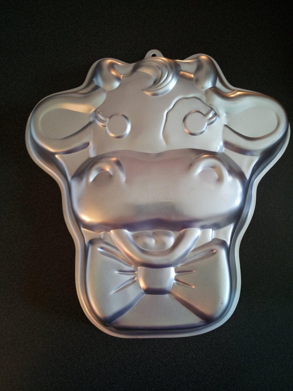 Wilton Cuddles The Cow Cake Pan Mold Tin Vintage
