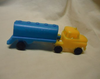 Vintage Wannatoy Toy Plastic Semi Oil Tanker Truck, Collectable, blue and yellow.