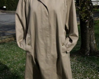 Burberrys Classic Overcoat men's large short