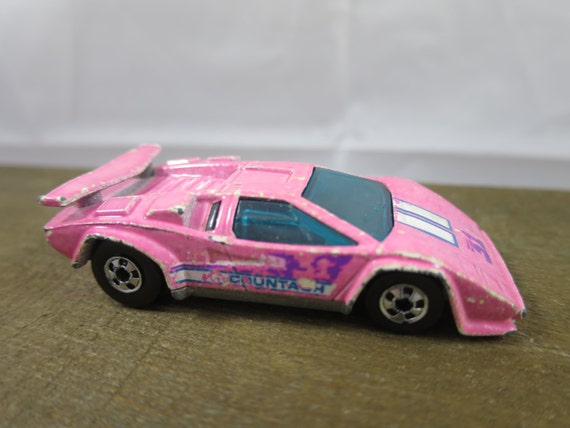 hot wheels lamborghini countach 1987 pale pink die cast car. Black Bedroom Furniture Sets. Home Design Ideas