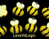 5 Baby Honey Bee Woodland Animals Lucite Puff Charms. Yellow Tone