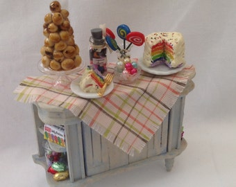 """DOLLS HOUSE MINIATURES - """"Sweets and Cakes"""" Display Side Table"""