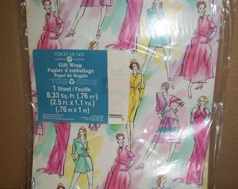 """American Greeting """"Forget Me Not"""" Fashion Themed Gift Wrap"""