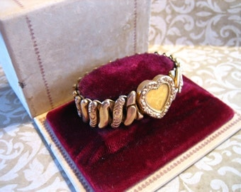 Vintage Sweetheart Expandable Bracelet Original Box Heart