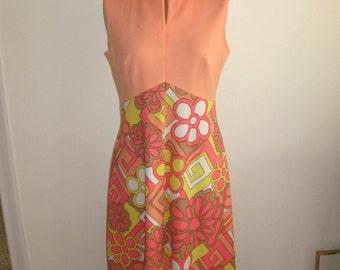 70s Maxi Dress / Sleeveless Long Dress / Pop Art Flowers / Shades of ORange and Pink / Mod Floral Dress / Prom