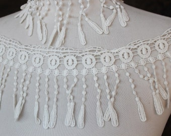 Very cute white     color    venice  lace  1   yard listing