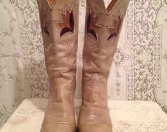 1970s vintage, taupe and cinnamon brown  leather, Dan Post western boots with flower patchwork and decorative stitiching, womems 7 A