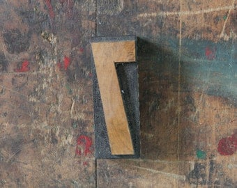 vintage letterpress, wood block stamp, typography, design / number seven, 7