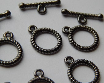 10 Sets of Metal Jewelry Clasps - 15mm Round, Toggle Style, Light Black Color, Small Size, Rope Twist Design,  Base Metal, Straight T Bar