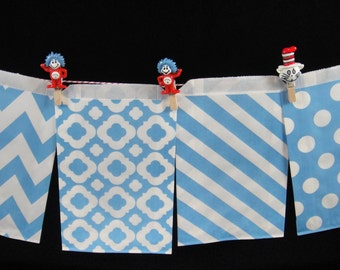 Light Blue Favor Bags, Candy Buffet Bags, Candy Bags, Bakery Bags, Paper Bags, Birthday Parties, Packaging, Baking Supply, Wedding - Qty 12